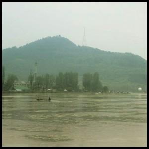 Misty Dal Lake